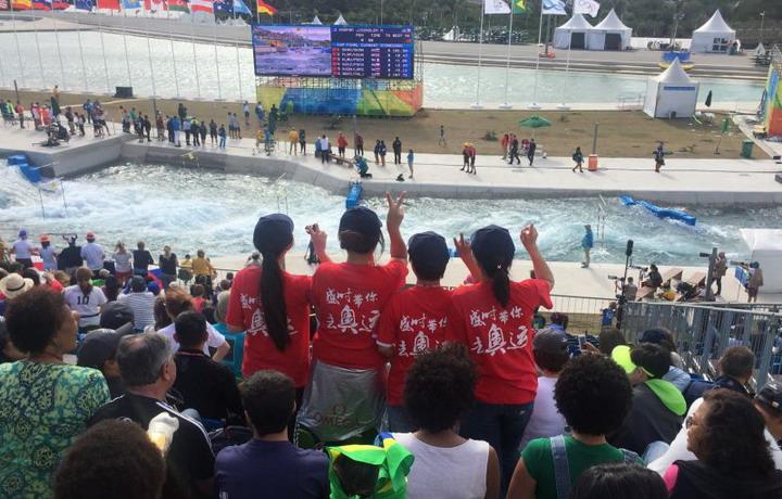 """盛时""""红""""遍里约   携手欧米茄为奥运呐喊"""