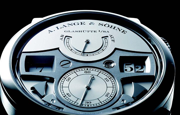 朗格 Zeitwerk Striking Time 后机械时代的跳字盘
