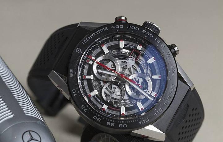 泰格豪雅推出卡莱拉Heuer-01红牛车队特别版腕表