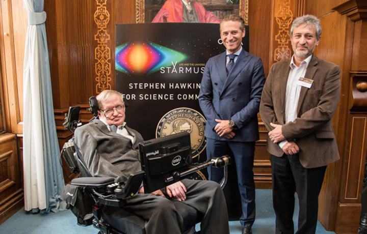 欧米茄成为斯坦梅斯大会全新合作伙伴 为史蒂芬•霍金科学传播奖得主打造专属欧米茄超霸腕表