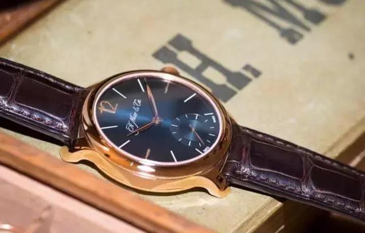 一款定价近10万的手表,依然要说很超值