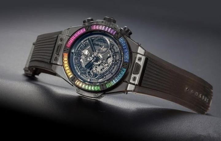 宇舶 Big Bang Unico黑色蓝宝石彩宝腕表