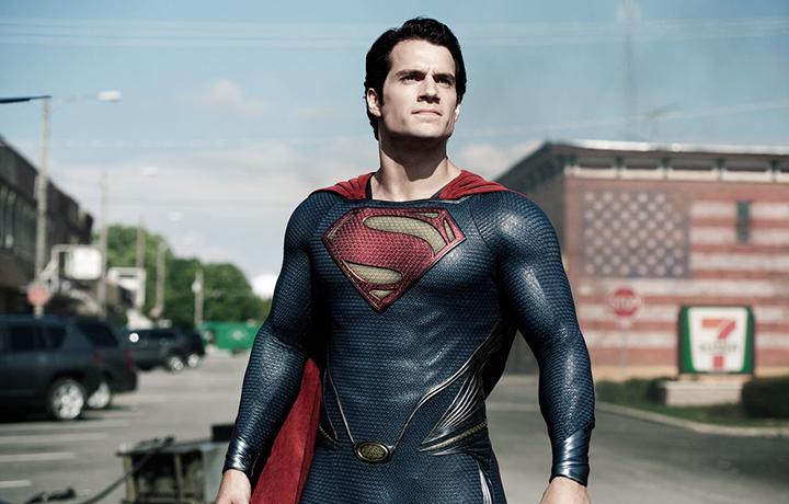 超人亨利卡维尔戴什么手表?