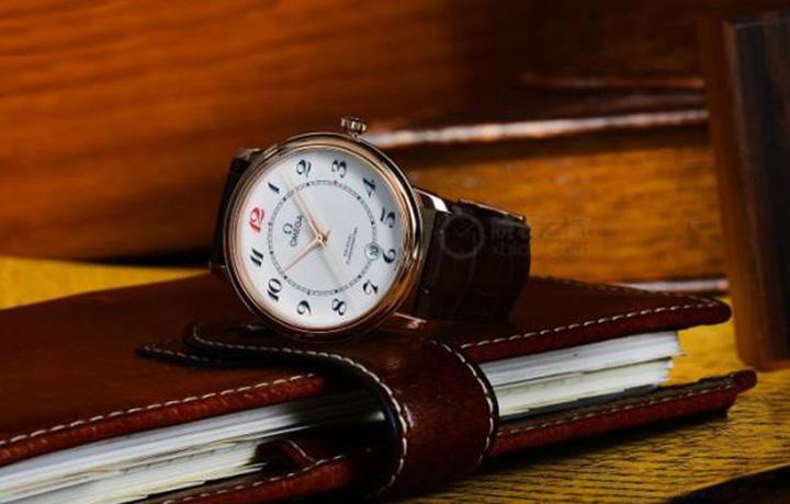 欧米茄碟飞系列50周年纪念腕表18K红金款