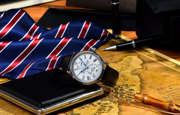 雅典表航海系列1846腕表
