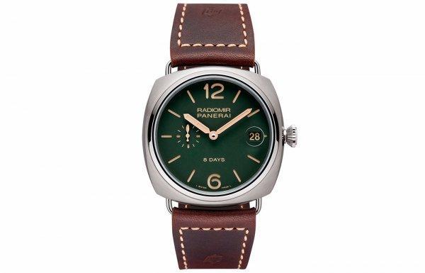 打造秋冬型男风,三款色彩腕表搭出专属魅力
