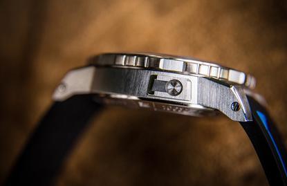宝齐莱石英手表保养方法