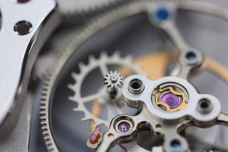 匠心 | 我想证明:中国钟表维修师不比老外差