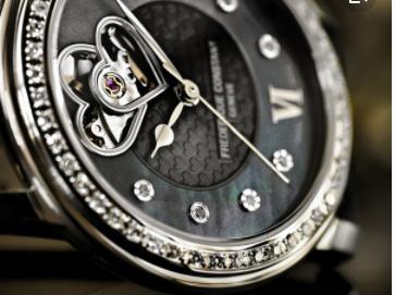 康斯登机械女款腕表,购买渠道更关键