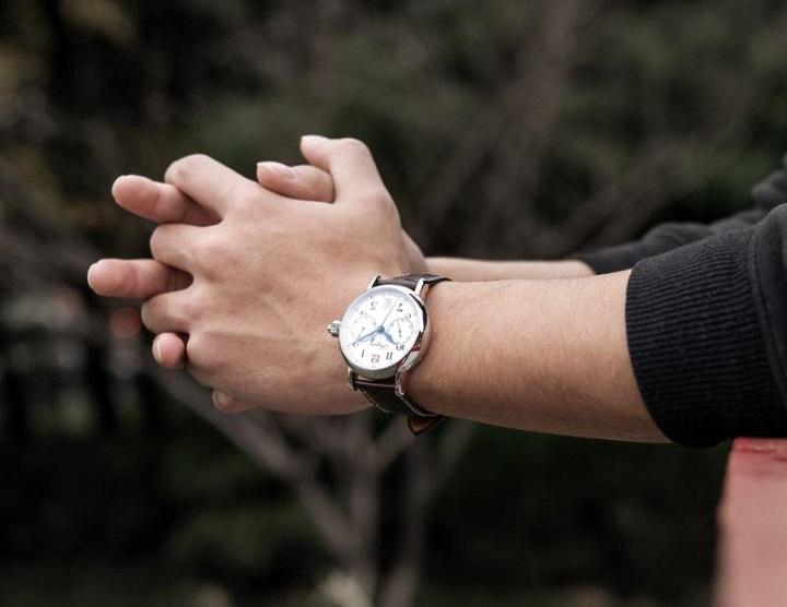 高颜值浪琴红12手表,值得一看~