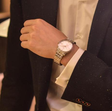 让你享受足不出户购表体验的欧米茄手表网