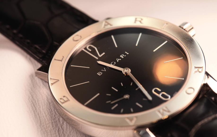 佩戴啥样的手表才能尽显时尚感?三款镂空腕表推荐