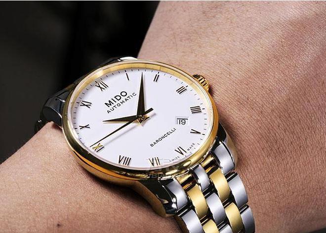你还在秀大金链子?时尚人都在秀金表!