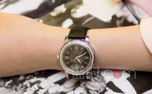 迪奥手表女款价格是多少?