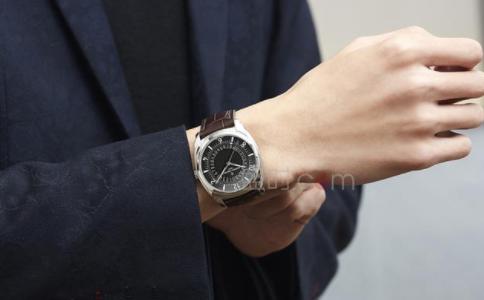 江诗丹顿手表带要如何保养?