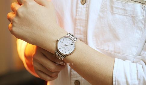 520送什么?情侣手表浪琴便搞定