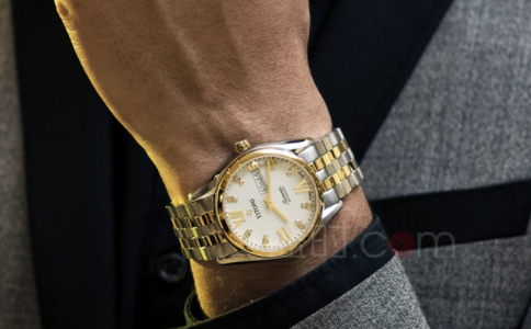 一款精致腕表,送给父亲的礼物
