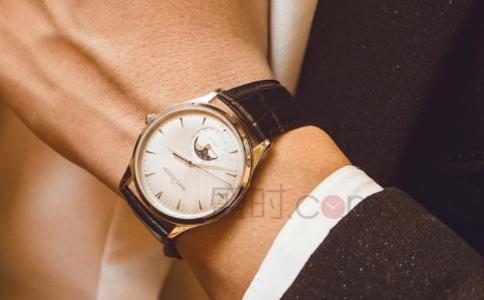 了解手表积家价格,带你选择一款合适的腕表。