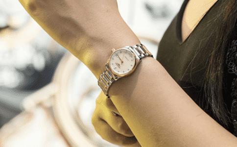 浪琴女士手表 一份于腕间的优雅