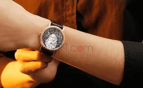 宝玑手表男士,展现男士的品貌非凡