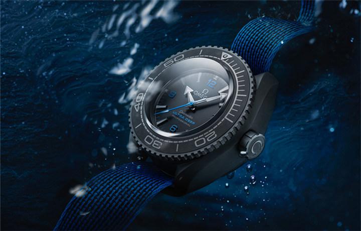欧米茄海马系列海洋宇宙Ultra Deep专业潜水表