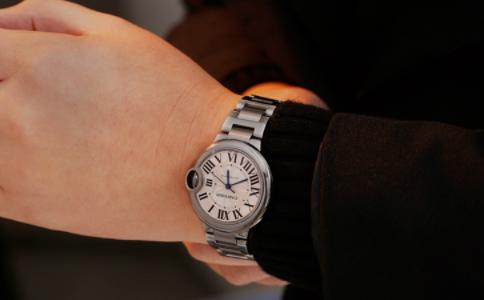 卡地亚女式手表 是准确计时工具,亦是华丽腕饰珠宝