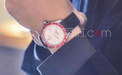 瑞士梅花手表,享受时间带来的美妙