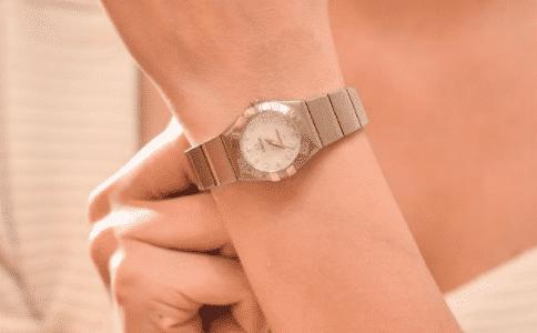 欧米茄女表推荐 腕间散发魅力的秘密