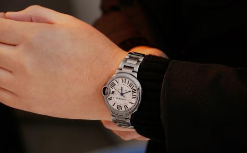 卡地亚蓝色气球手表为什么如此受欢迎?