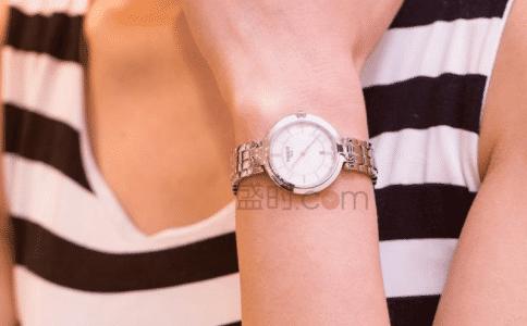 tissot手表女1853推荐 腕间时尚点缀