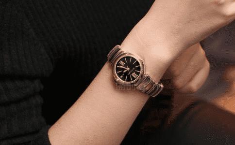 蔻驰手表,是别具一格的存在