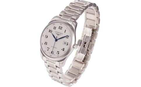 日常生活中爱波手表如何养护呢?