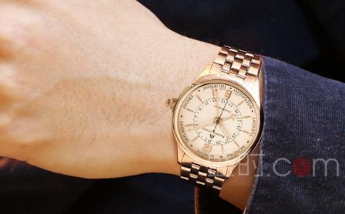 男士手表佩戴位置图解介绍