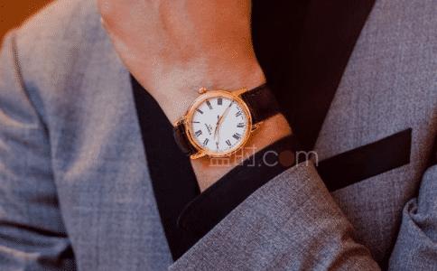 送男生什么牌子手表好?