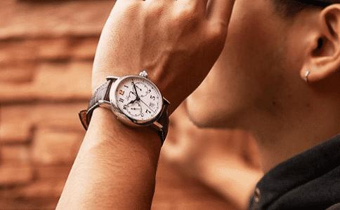 浪琴和天梭哪个手表好?
