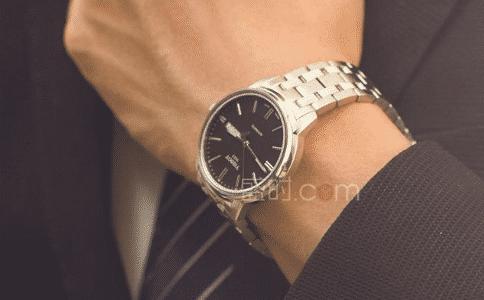 英纳格手表维修客服电话是多少?