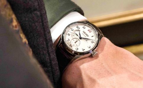 小天才手表怎么調時間?