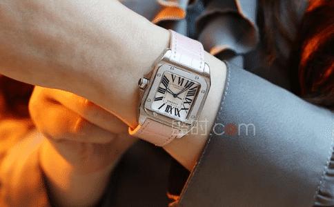 女生手表戴左手还是右手?哪个更合适?