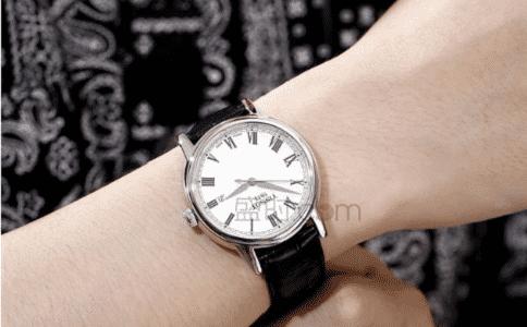 儿童电子手表怎么调时间?