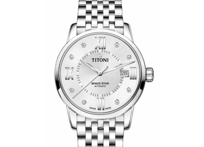 瑞士梅花手表价格多少?月薪多少钱能够买的起