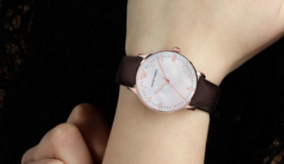 阿玛尼手表价格贵不贵,为什么这么受欢迎
