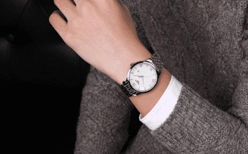 坤格手表什么档次?