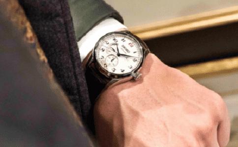 东方双狮手表价格是多少?