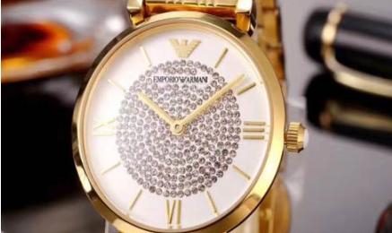 送女朋友阿玛尼满天星手表如何?