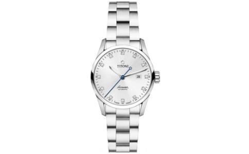 女的手表戴哪只手上好看?