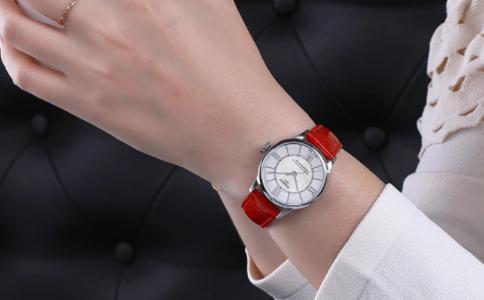 doukou手表算名牌吗?多少钱?