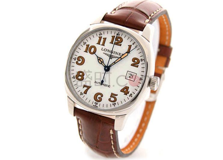 手表的表面是手表极为重要的一个部分