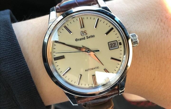 冠蓝狮手表可以仿制吗?如何才能买到正品?