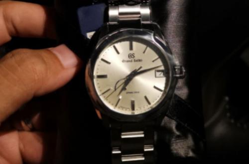 为大家推荐一款冠蓝狮经典手表