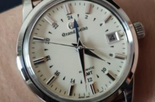 冠蓝狮在淘宝上有旗舰店吗?每一款手表都有卖吗?